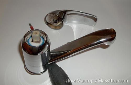 Ремонт однорычажного (флажкового) смесителя (4)